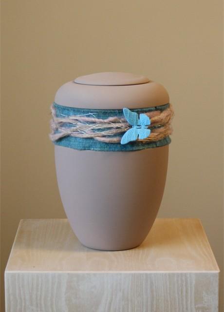 keramik_hb_oxidrot,_schmuckband_schmetterling